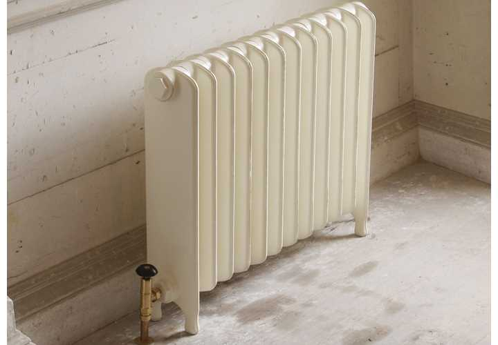 Eton painted cast iron radiator in vellum